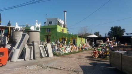 PALUMBO Estatuas y macetas de jardín
